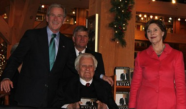 President Bush, Billy Graham and Franklin Graham, and Laura Bush